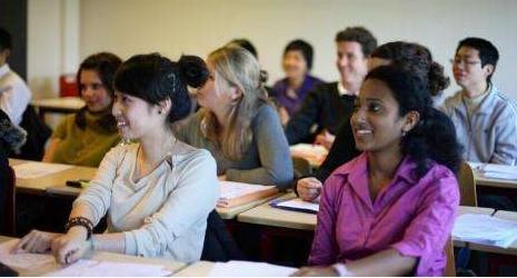 浅析重庆留学预科:选择意大利学校两大注意事项