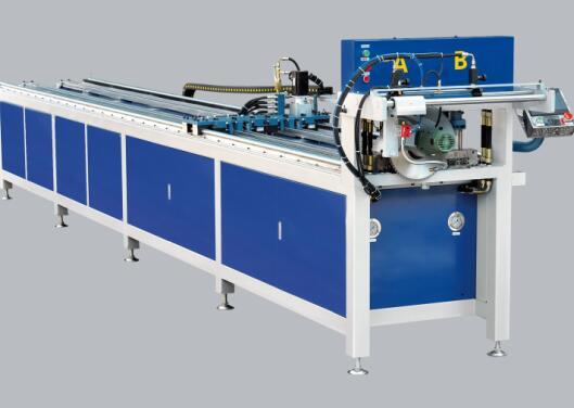 圆管冲孔机厂家解析操作数控型材冲孔机的三大注意事项