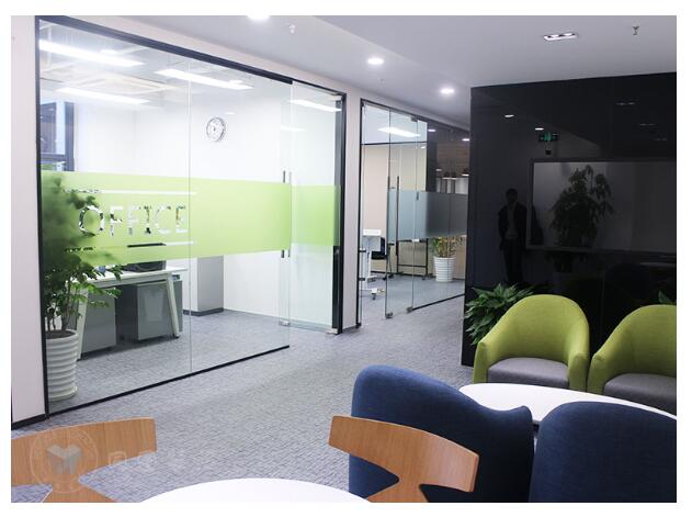 上海办公楼装修设计应如何优化主题风格装修