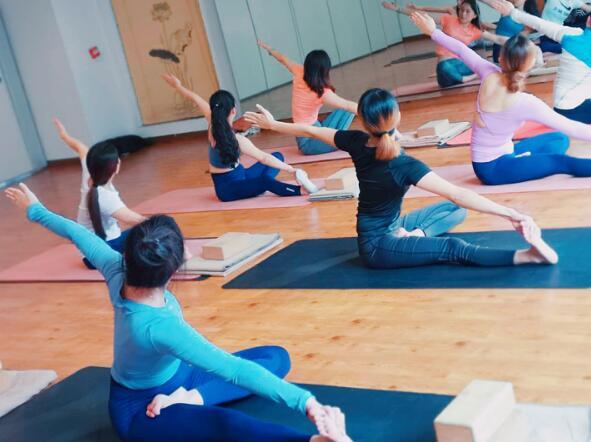 瑜伽学习班有哪些显著的优势