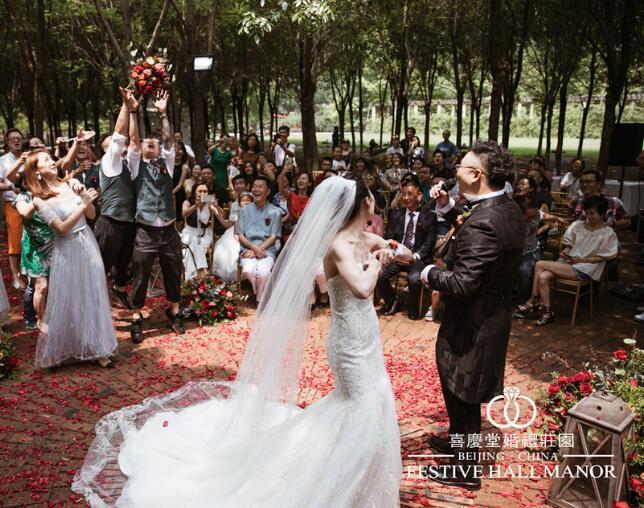 高端主题婚礼的服务完善体现在哪里