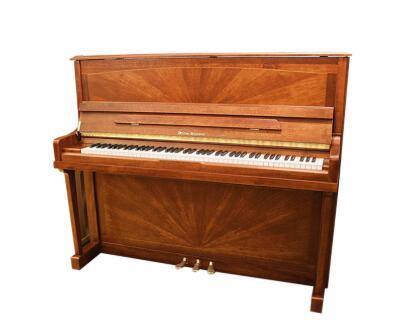选择上海钢琴专卖店设备的优势有哪些