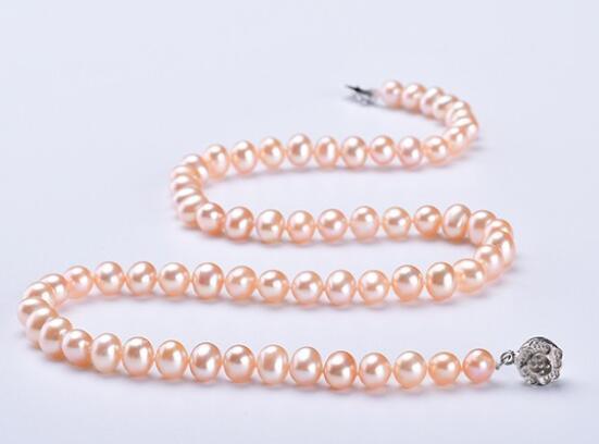 珠宝招商加盟机构解读夏天佩戴珠宝的注意要点