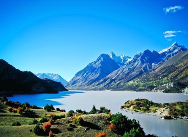 不同季节到川藏旅游需要准备什么衣服?