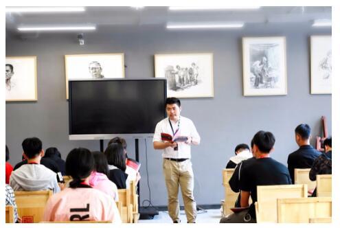 选择高考美术培训画室应注意哪些方面?