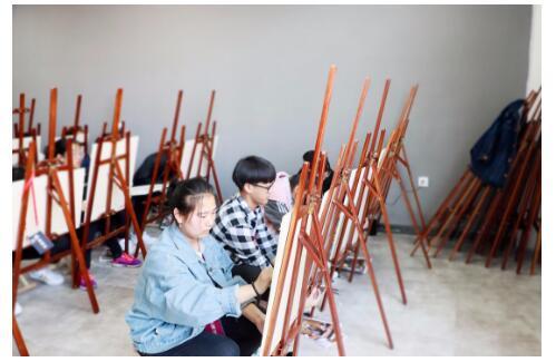 如何通过高考美术培训取得好成绩?