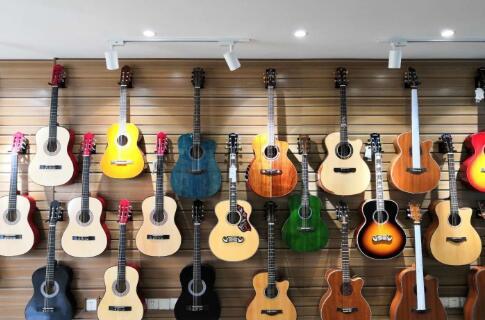 在吉他弹唱培训学习吉他的三大好处