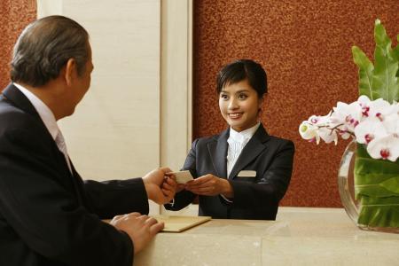 如何选择一份好的酒店全职工作?