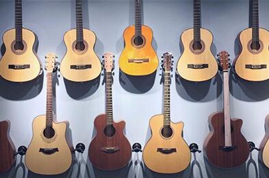 成人吉他教学具有什么特点