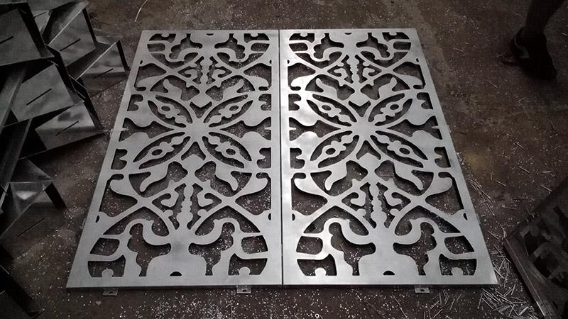 如何保持双曲铝单板的弧度?