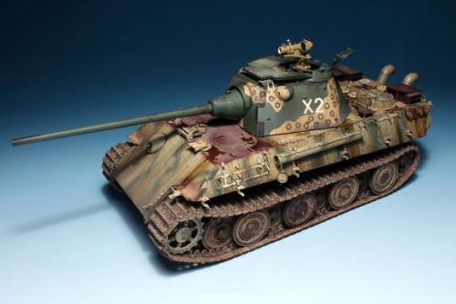 军事展览馆中的模型坦克为何备受喜爱