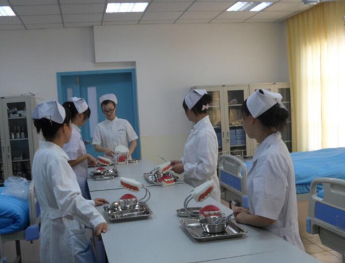 在护士学校学习有哪些好处?