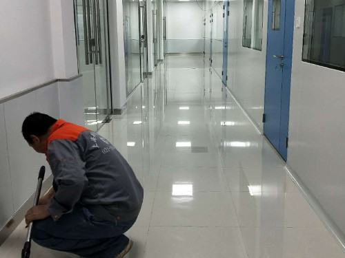 上海地板打蜡公司简介地板打蜡需注意什么
