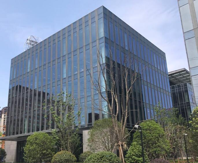哪些建筑物更需要聘请幕墙检测公司来检测幕墙?