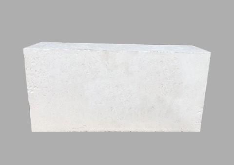 如何去除刚玉砖中的铁元素?