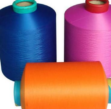 应该如何区分人造丝绸和涤纶丝呢