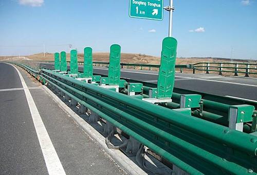 选择双波护栏板的产品优势有哪些?