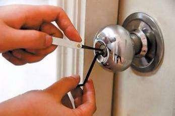 进行郑州修锁换锁可以从哪些方面入手
