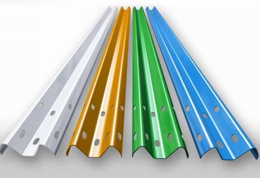 护栏板厂家的护栏板施工要注意的细节有哪些